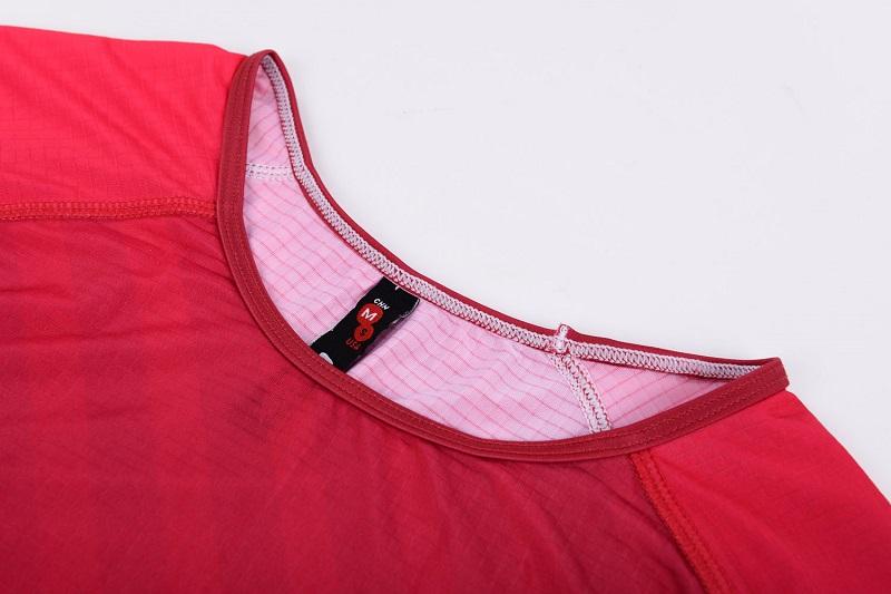 Binding at neckline